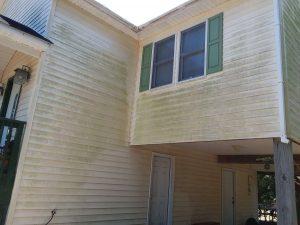 Carolina Pro Clean pressure washed house 22